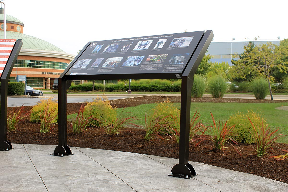 HED-300 Angled Back Display Sign